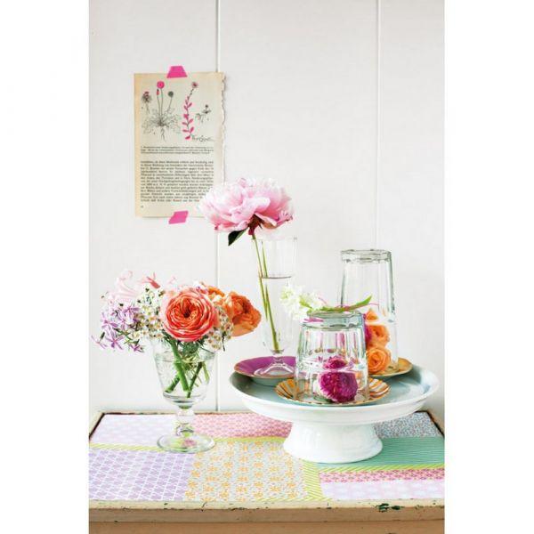 Decorare con i fiori. composizioni e decorazioni creative